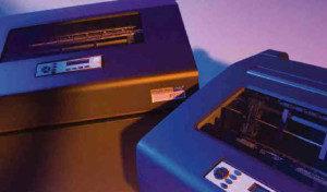 AS400-Zeilenmatrix-Drucker prüfen die Schwärzung der Druckausgabe
