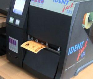 Dispenser und Rewinder beim IDENTjet_M4
