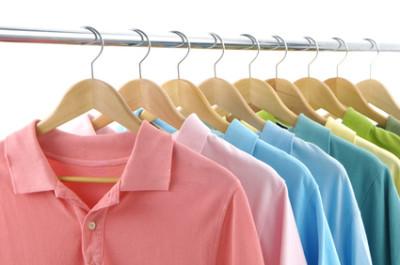 Kleiderbügel - Sattelreiter für Ihr Cross Selling mit Barcodes und Logo.