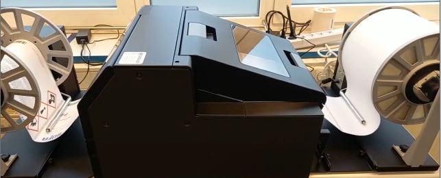 GHS-Tintenstrahldrucker C6500 druckt von Rolle auf Rolle