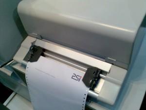 Desktop-Kopfmatrixdrucker mit Endlos-Traktor