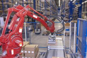 Roboter-Drucker können Laser-, Nadeldrucker- und Thermodrucker-Daten im Wechsel ausgeben.