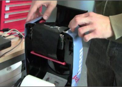 UPS Versandaufkleber mit IDENTjet D4
